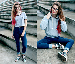 Camila Rech - Shein T Shirt, Youcom Jeans, Converse All Star, Shein Hooded - Jeans, t-shirt and Converse