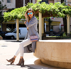 Cosmina M. //mbcos.net - Coat, Ray Ban Sunglasses, Primark Cut Out Boots - Loose coat