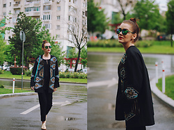 Andreea Birsan - Polaroid Sunglasses, H&M Embellished Jacket, C&A Bell Sleeve Blouse, Color Block Crossbody Bag, Mango Tailored Trousers, Il Passo Gold Metallic Shoes - How to style an embellished jacket II