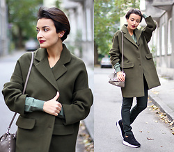 Lucine A - Parosh Khaki Coat, Parosh Pants, Michael Kors Gray Bag - Dired Herb Khaki