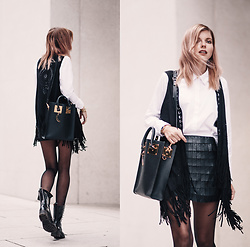 Jana Wind - Sophie Hulme Bag, Ivy Revel Skirt, Codello Vest - Black & white