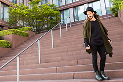 Maik - Brixton Hat, Topman Poncho, Tiger Of Sweden Shirt, Scotch & Soda Denim, Marc Jacobs Boots - Boho-Style: Poncho & hat