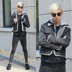 Emil D - Ace & Tate Sunglasses, Maison Martin Margiela Hoodie, Calvin Klein Jacket, Zara Jeans, Yeezy Shoes - Grey gorgeousness