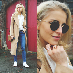 Caro Daur - Ray Ban Sunnies, Coat, Superga Shoes - Camel coat