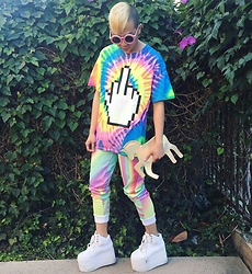 King Htut - Jacvanek Fu Tee, Shopjeen Unicorn Clutch, O Mighty Weekend Rainbow Track Pants, Yru White Qozmos -