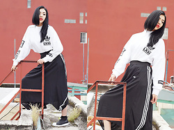 Gumii - Adidas Berlin Trefoil Sweatshirt, Adidas Originals Berlin 3 Stripe Maxi Skirt, Adidas Superstar Slip On - First in A