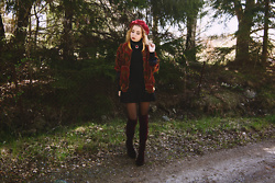 Catarina S. - Secondhand Beret, Secondhand Bomberjacket, Bijou Brigitte Necklace, Lindex Polo Neck Sweater, Lindex Skirt, Asos Velvet Overknee Boots, H&M Sheer Tights - ► Cool Me Down - Margaret