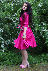 Harriet Emily - El Ganso Dress, Daniel Wellington Watch, Asos Shoes - Springtime in london