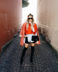 Emmy Nikolausson - H&M Kneeboots, Gina Tricot Coat - ORANGE IS THE NEW BLACK ~