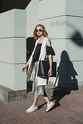 Dasha Shcerbakova - Pinko Skirt, Pinko Vest, Pinko Bag, New Balance Shoes - May vibes