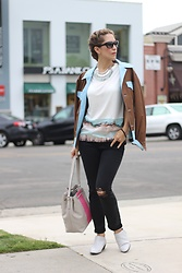 Vanessa Berlin - Joe's Jeans, All Saints Sleevless Tee, Kate Spade Bag, Vogue Sunglasses, Happiness Boutique Statement Necklace - Casual Wednesday