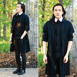 Xanthium James - Deandri Romeo, Urban Outfitters Linen Duster, Kill City Coated Junkie Fit, Dr. Martens Albany - 麵包