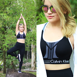 Sarah Mai - Calvin Klein Black Sports Bra, Calvin Klein Black Sports Legging, Calvin Klein White Wind Breaker Jacket, Pottglasses Rose Gold Sunglasses - I workout with #mycalvins
