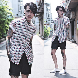 IVAN Chang - Tastemaker 達新美 Shirt, Vans Shoes - 210516 TODAY STYLE