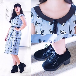 Barbara Graves - Maddie Store Bulldogs Dress, Inbox Chunky Boots - Cute Vintage Bulldogs