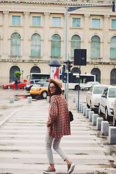 Andreea Birsan - Aldo Camel Hat, H&M Patterned Jacket, Zara Grey Trousers, Nude Platform Shoes, Christian Dior So Real Sunglasses, Leather Bag - Patterned jacket for the rainy spring days II