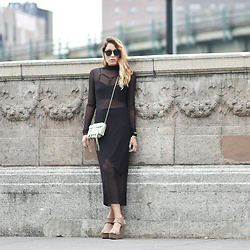 Lauren G. - Katherine Kwei Donna Box Clutch (Giveaway Prize), The Serpent And Swan Mesh Dress, Gypsy Warrior Harness Bralette, Vince Camuto Kaja Wedge Sandals, Zerouv Round Sunglasses - GIVEAWAY: In Your Clutch