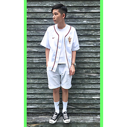 Kai Chi Lao - Nike Top。, Zara Top。, Komono Watch。, Ader Error Socks。, Converse Shoes。 - ▲ #green #baseball #arizona #state #ader #adererror #convers