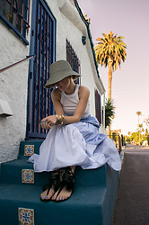 Olga Pancenko - Zara Long Skirt, Ancient Greek Sandals Black Fringe, Cotton On Sleeveless Top, Courtesy Of Los Angeles L.A. Sky - LOOK N° 10