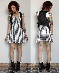 Jiglay P. - Forever 21 Dress, Lazamani Boots - Cute Stripes
