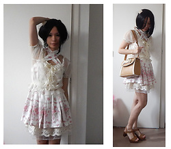 Nowaki Selenocosmia - Liz Lisa Tunique, Of White Skirt, Gyaru Bag, New Look Sandals, Claire's Flower Pin - Girly