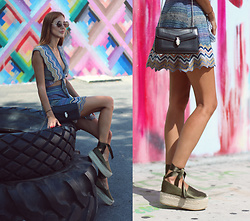 Andrea Gomez - Obistudio Espadrilles - WYNWOOD WALL with obistudio