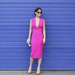 Jenn Lake - Ray Ban Aviator Sunglasses, Victoria Beckham Pink Bodycon Dress, Tory Burch Silver Clutch, Christian Louboutin High Heel Pumps - Bright Pink Deep V Dress