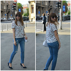 Monika Tremski - Zara T Shirt, Zara Jeans, Deichmann Shoes, Dressin Bag - Star print trend