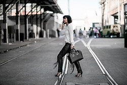 Jiawa Liu - Nuan Cashmere Sweater, Leather Pants, Givenchy Bag, Heeled Sandals - How to build a fashion week wardrobe