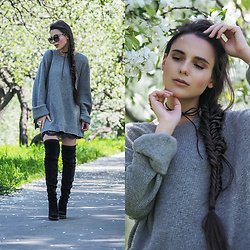 Yana P - Sweater, Boots - Impression, Apple Garden