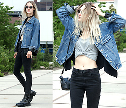 Eva Velt - Second Hand From Paris Denim Jacket, Shirt, Bag, Jeans, Selfmade Necklace, Boots, Blouse - Drifting