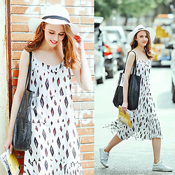 Johonna R. - The Other Sparrows Printed Cami Slip Dress - White Summer Look