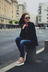 Andreea Birsan - Christian Dior So Real Sunglasses, Mango Black Blazer, Zara Khaki Shirt, Denim International Skinny Jeans, Nude Platform Shoes - The black blazer tales III