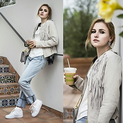 Nicola Marleen - Levi's Jeans 501, Hollister Shirt, Bcbg Bag, Nike Shoes, Topshop Earrings - Trust // Morningelegance.de