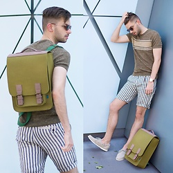 Aaron Wester - Mrkt Backpack, Zara Linen Sweater, Zara Linen Shorts, Sebago Boat Shoes - Linen Blend