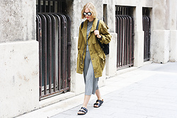 Hédi Szabó - Zerouv Mirror Sunnies, Hugo Boss Coat, Bershka Two Piece Top, Bershka Two Piece Bottom, Birkenstock - Hygge