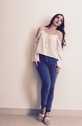 Xenia O. - Forever 21 Shirt, Carlo Pazzalini Sandals, Primark Jeans - Love this lace