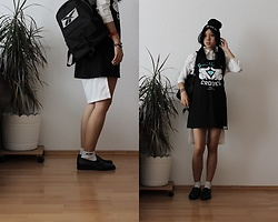 Tram Anh - Reebok Rucksack, Reebok Socks, Vintage Loafers, Beanie, Tail Blouse, Crooks And Castles Oversized Wifebeater - Axolotl roadkill