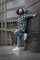 Kas - S.Oliver Dark Night Check, S.Oliver Sky Blue Jeans, Nike Airmax 90 Triple White, Kapten & Son Mirrored White/Blue Sunglasses - Life under the scope.