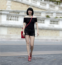 Festy In Style - H&M Top, Mango Short, Mango Hells, Mango Bag - Black and red summer look