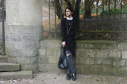Asmodeus Moonlight Hel - Underground Leather Creepers, Levi's® Customed Skinny Pants, Asos Black Tunic, H&M White Shirt, H&M Zodiac Bag - SummerGoth