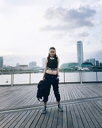Fenny Yolanda - Motto.Clothing Cyber Girl Top, Pull & Bear Pants, Handbang, Sneakers, Chocker - [CYBER GIRL]