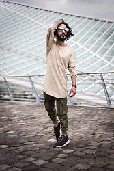 Kas - Manieredevoir Ribbed Cargo Jean Khaki, Manieredevoir Long Sleeve Essential Top Beige, Nike Woven Footscape, Thefifthwatches Black Metal, Polette Fernandez Sunglasses - Picture perfect.