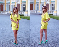 A piece of Anna . -  - Lime coctail dress
