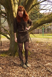 Charlotte Cocopop - Zara Dress, H&M Thights, Vintage Shoes - Commitment
