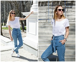 Daria Ananyeva - Springfield Shoes, H&M T Shirt, Befree Jeans - Normcore