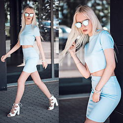 Oksana Orehhova - Lookbookstore Set (Top And Skirt), La Maison Du Carat Bracelet, Zerouv Sunglasses - BABY BLUE