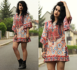 Tessa Diamondly - Vintage Dashiki Dress - Old times.
