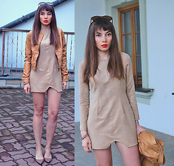 Jointy&Croissanty © -  - Caramel bomber jacket and suede dress