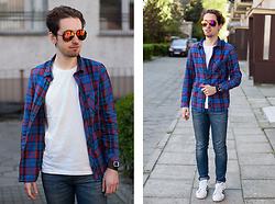 Daro K. - H&M Shirt, Giant Vintage Sunglasses - Denim and colorful
